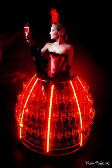Robe à champagne cabaret led rouge - Agence Butterfly