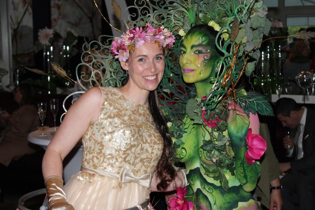 Robe à champagne Agence Butterfly avec la championne du monde de Body painting