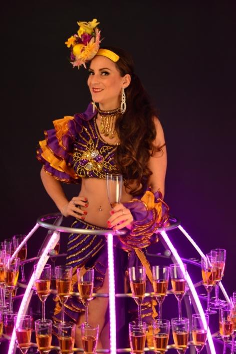 Robe à champagne tenue brésilienne violette et jaune - Agence Butterfly