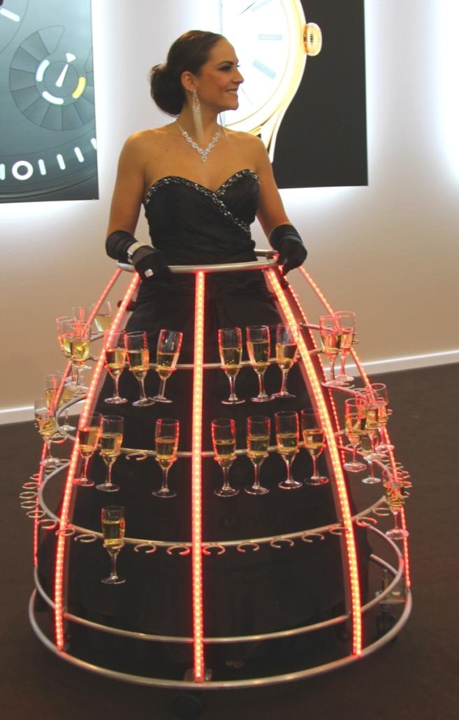 Robe à champagne tenue de gala avec flûtes à champagne - Agence Butterfly