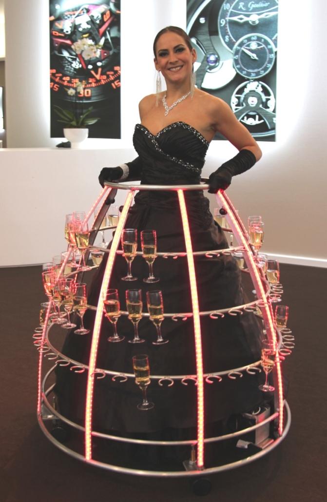 Robe à champagne tenue de gala noire - Agence Butterfly
