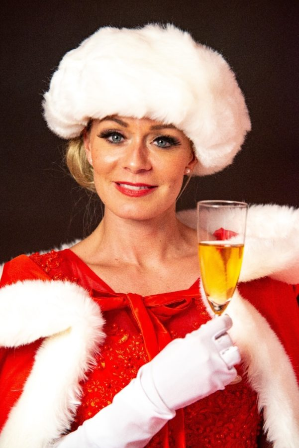 Robe à champagne tenue rouge et blanche portrait - Agence Butterfly