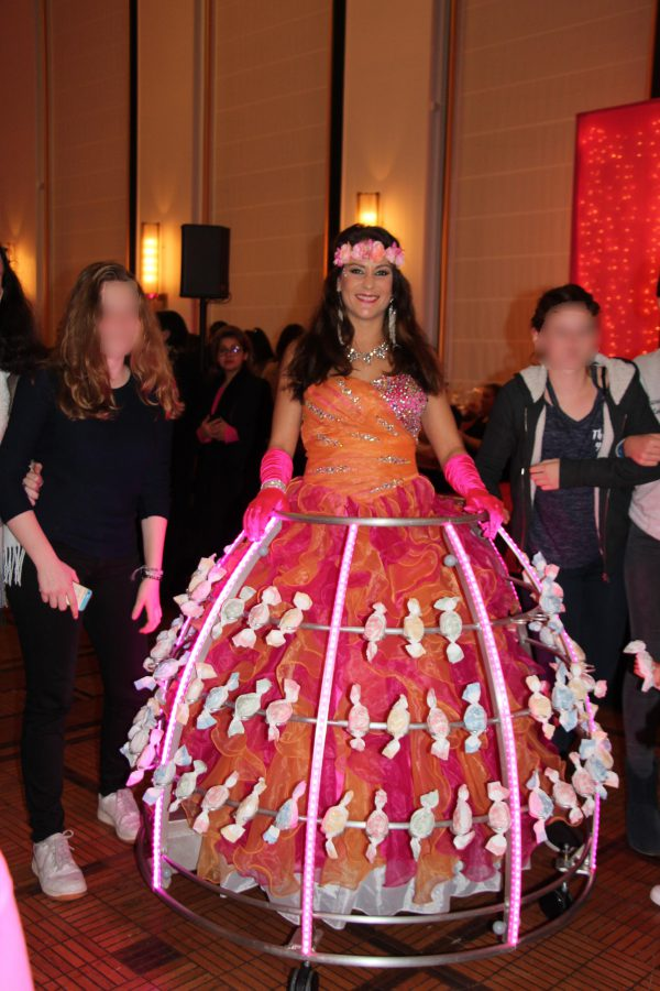 Robe à champagne transformée en robe à bonbons - Agence Butterfly