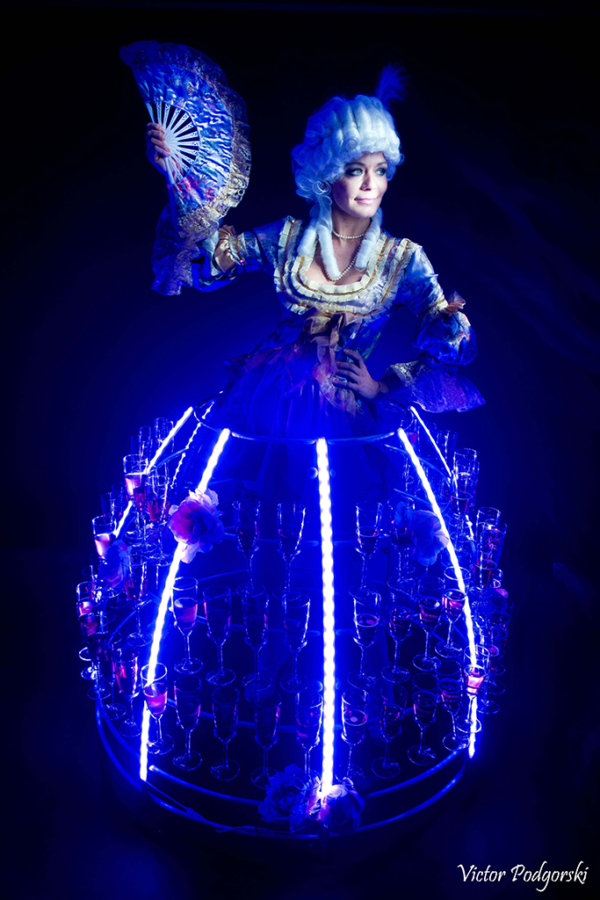 Robe à champagne tenue marquise led bleu - Agence Butterfly