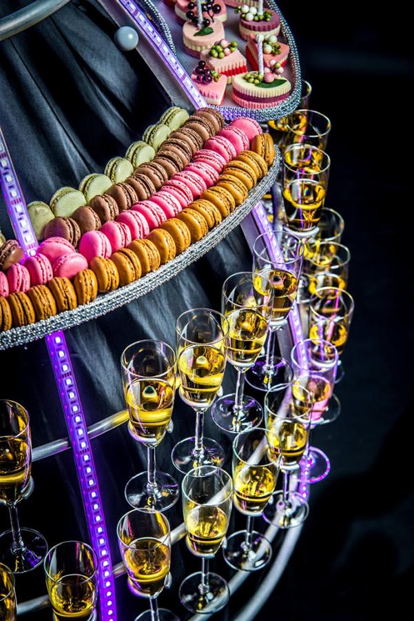 Robe à champagne avec Plateaux amovibles pour cocktail - Agence Butterfly