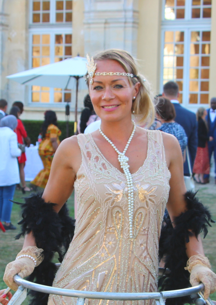 Portrait tenue Gatsby pour robe à champagne - Agence Butterfly