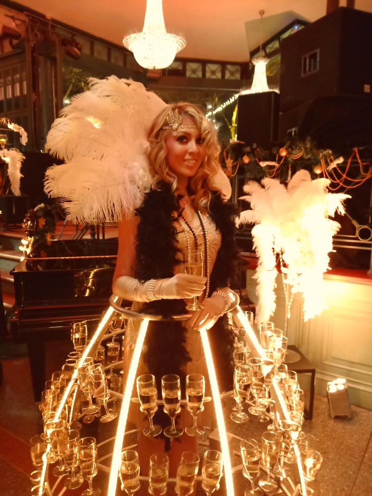 Tenue Gatsby dorée et noire pour robe à champagne - Agence Butterfly